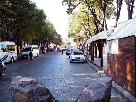 Odessa, Deribasovskaya street, photo of Odessa, VeseliyMakler